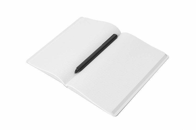 PININFARINA Segno Notebook Stone Paper, notes z kamienia, czarna okładka, kropki